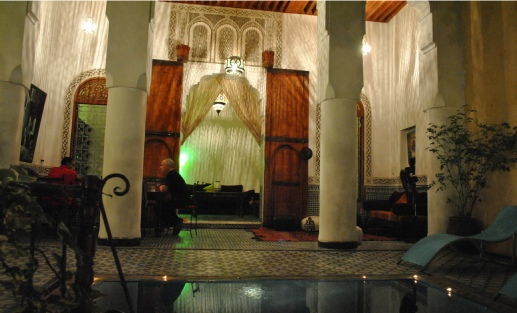 Riad Medina Fes - Relax by the private pool